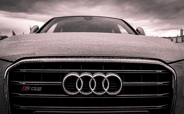 předek Audi