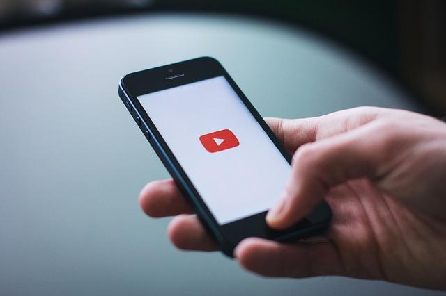 Youtube na smartfóne.jpg